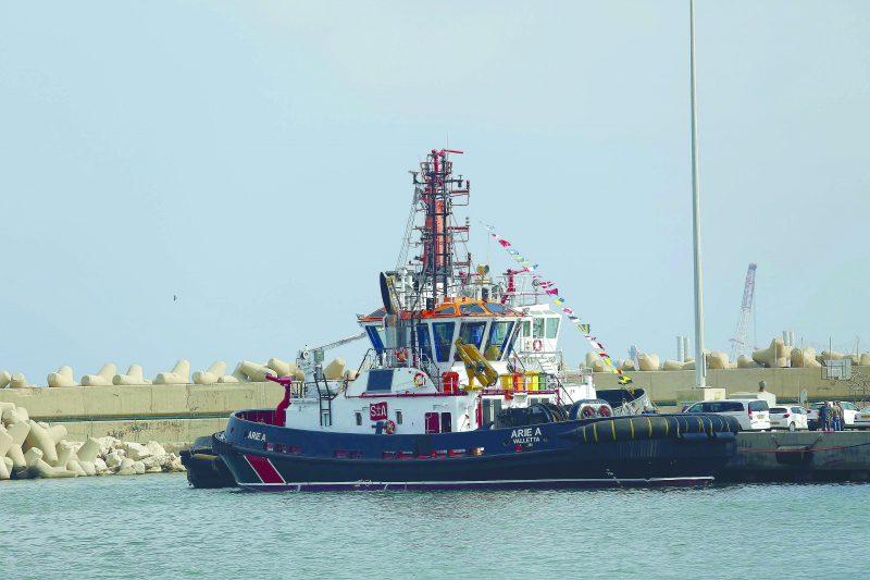 ארכיון: גוררת בנמל אשדוד צילום: פבל טולצ'ינסקי