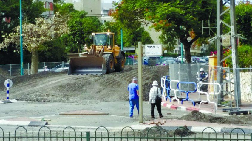 עבודות בכביש במסגרת תכנית התחבורה באשדוד. צילום: דור גפני