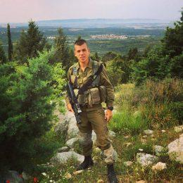 """חבר ילדות: בן וענונו ז""""ל, גיבור אשדוד שנפל באסון הנגמ""""ש בסג'עיה"""