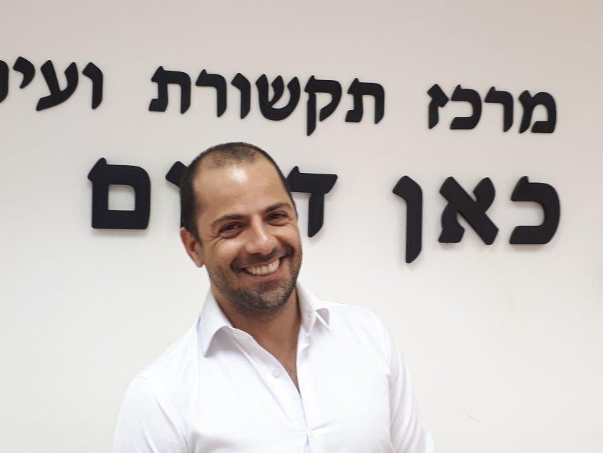 """עו""""ד יניב אהרון מתמודד בבחירות למועצת הכיר אשדוד בראש רשימת """"אנחנו אשדוד"""". צילום: דור גפני"""