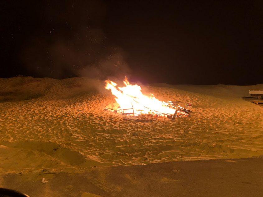 """מדורת ל""""ג בעומר, אמש באשדוד. צילום: אורי קריספין"""