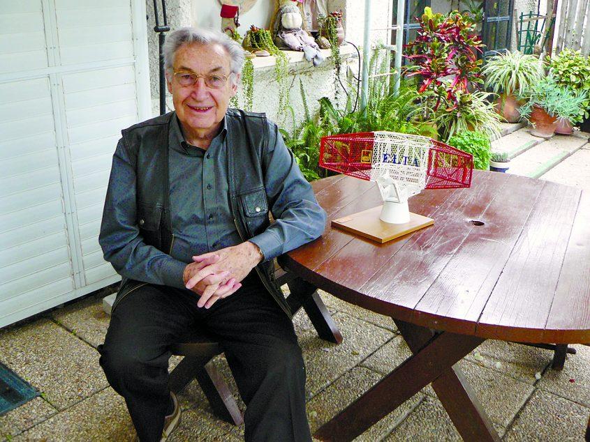 פרופ' נינו לוי בביתו באשדוד. צילום: דור גפני