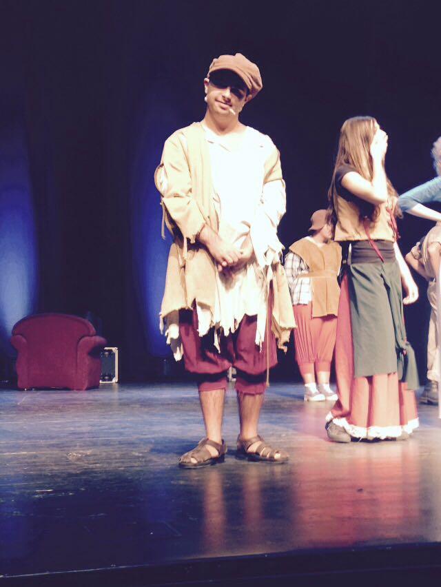 דוד על הבמה