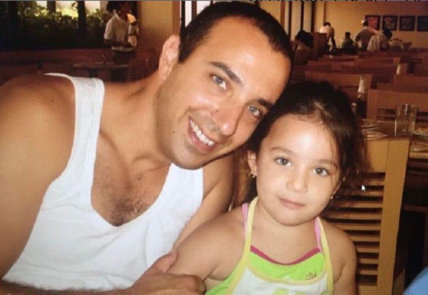 """יובל סינדורי בילדותה עם אביה יגאל ז""""ל"""