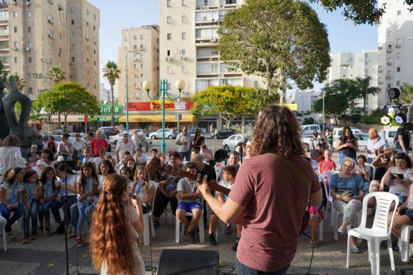 אסף איינהורן במרכז רובע ד'. צילום: דניאל דיין