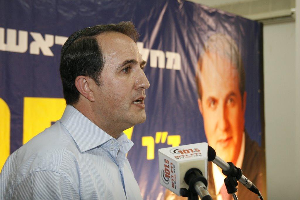 לסרי פותח את הקמפיין שלו, 2008. מה תהיה הסיסמא הפעם? צילום: פבל