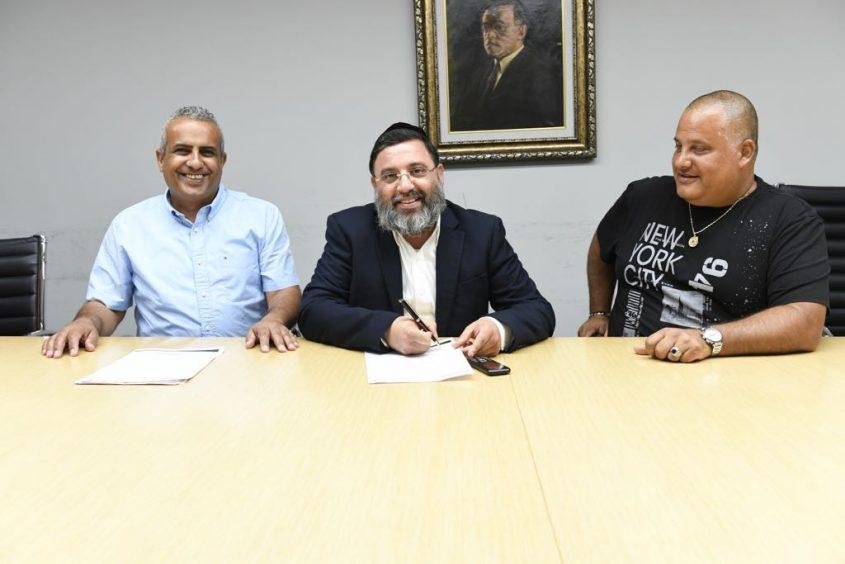 """שוב ביחד: חסן, שושן ויו""""ר ההסתדרות הלאומית יואב שמחי. צילום: חורחה נובומינסקי"""