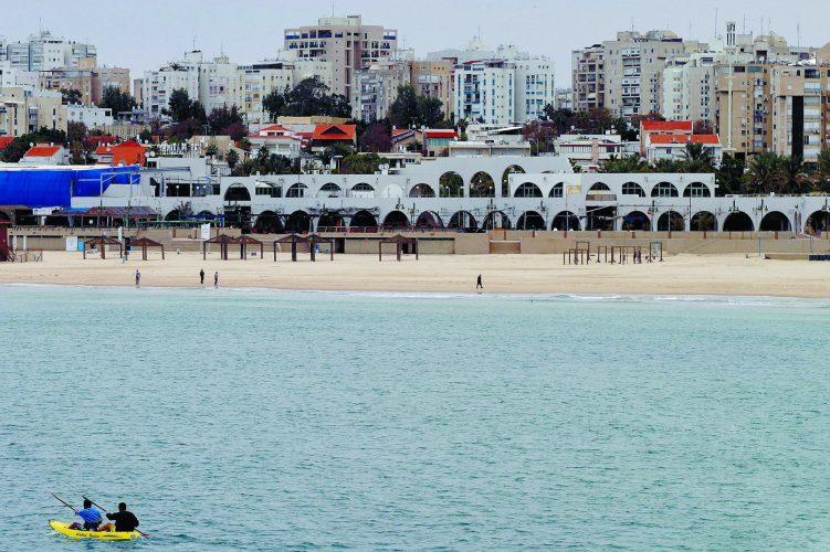 חוף הקשתות באשדוד. צילום: אלי פאר
