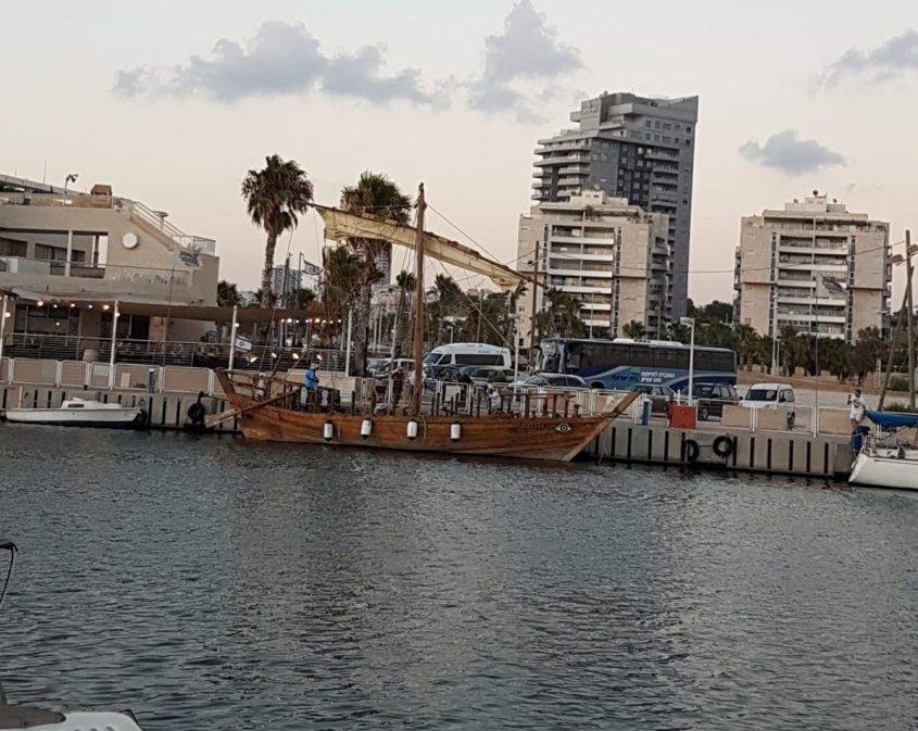 הספינה עוגגנת במרינה באשדוד. צילום: איציק יניב