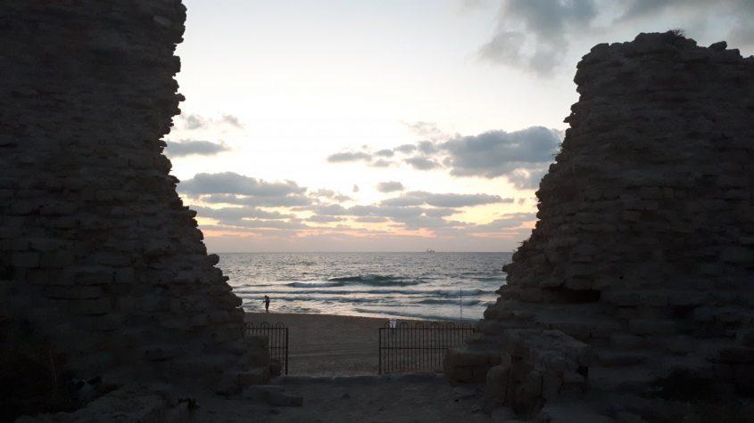 מצודת אשדוד-ים, אתמול עם רדת הערב. צילום: דור גפני
