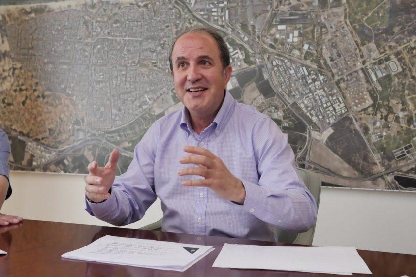 """ראש עיריית אשדוד, ד""""ר יחיאל לסרי. צלם: פבל"""