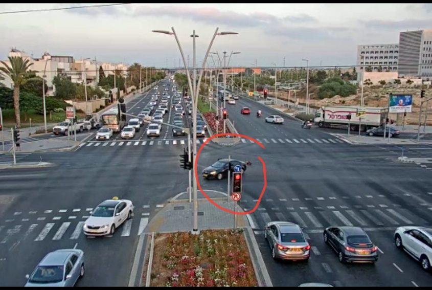 הילד שנפל ממכונית. צילום: מוקד רואה של עיריית אשדוד
