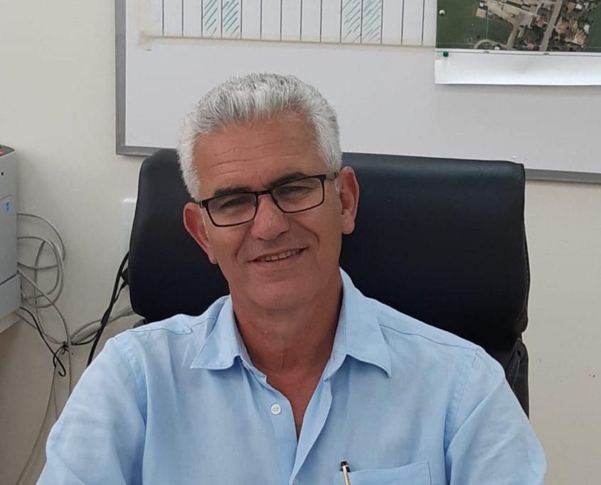 מנהל תיכון באר טוביה רוני ארז