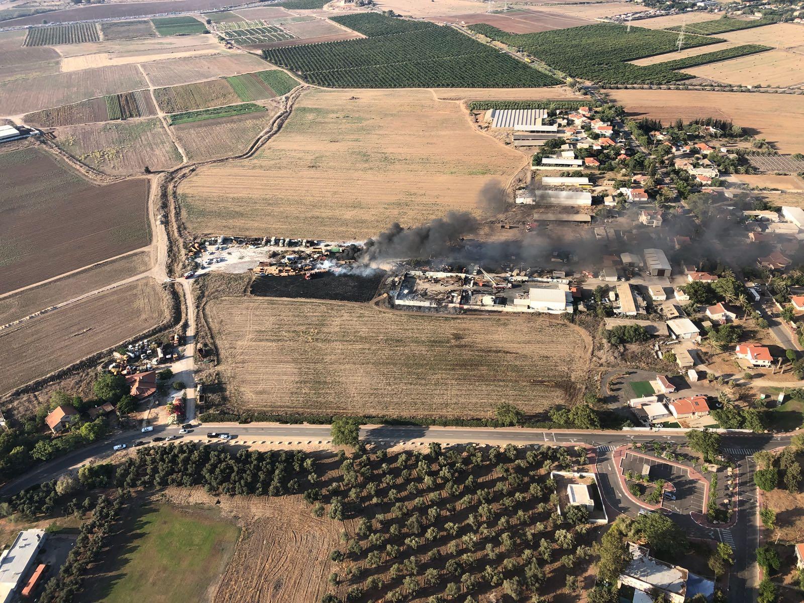 שריפה במגרש צילום: דוברות כבאות והצלה לישראל