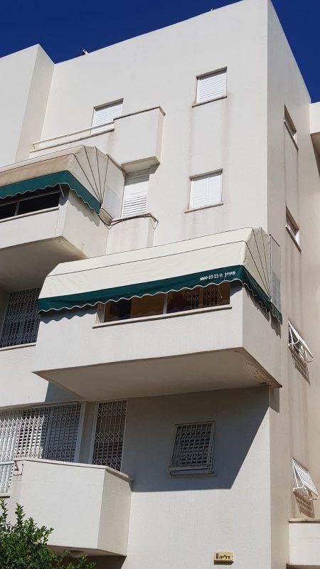"""סכך למרפסת בניין פרטי תוצרת """"מעיין סככות"""""""
