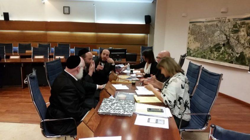 נציגי יהדות התורה בוועדת הבחירות. משמאל אפרים ובר. צילום: דיווחי לכיש