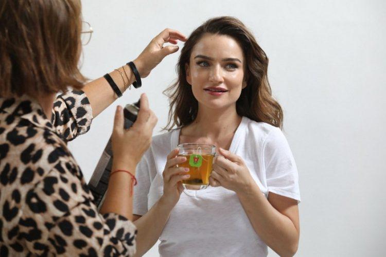 בצילומי קמפיין ויסוצקי עם אניה בוקשטיין ואנה זק צילום רפי דלויה