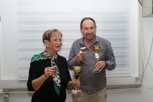מירים לווינשטיין וודים מרקמן במקום הראשון בתחרות אליפות לזוגות פתוחה