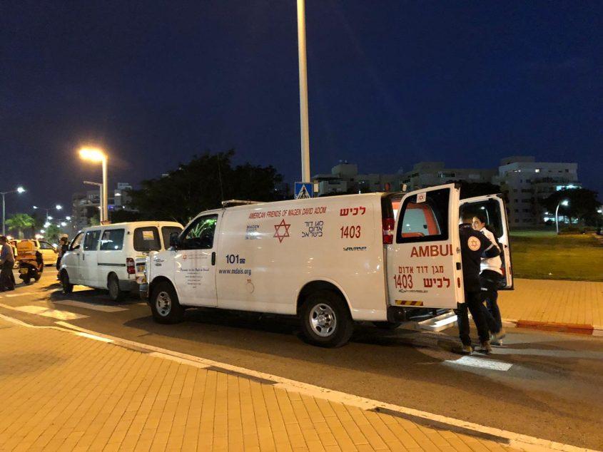 תאונת דרכים מול המשכן לאמנויות אשדוד. צילום: פבל