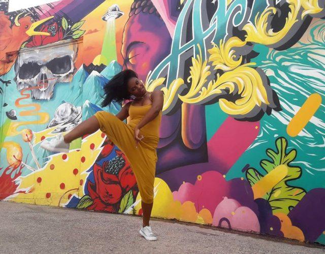 לייאנט בל, מדריכת סלסה וריקודים אפרו-קובניים. צילום: פייסבוק