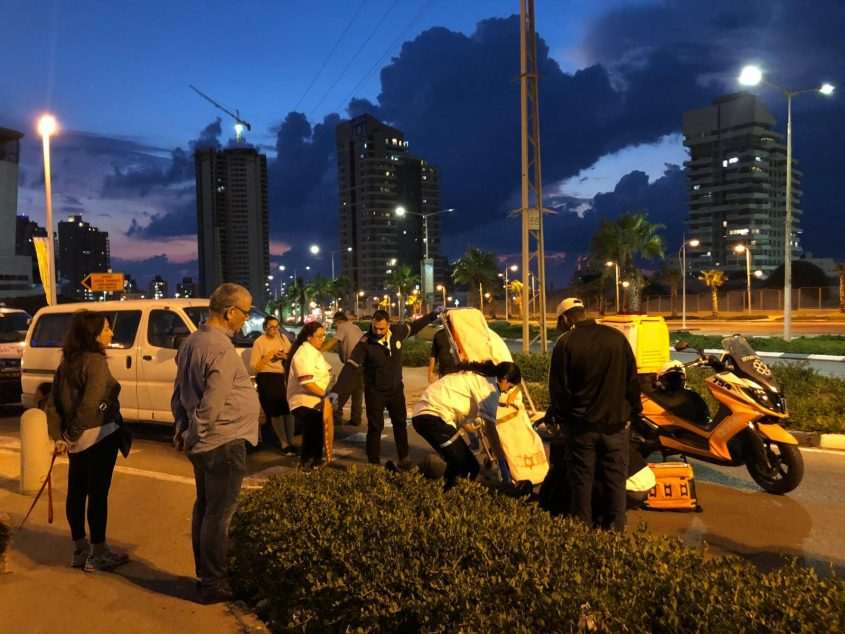 תאונת דרכים מול המשכן לאמנויות אשדוד (ארכיון). צילום: פבל