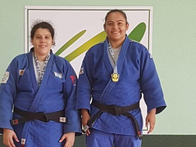 מימין: שוש (שושנה) קחלון באליפות ישראל לנשים עד גיל 23. באדיבות מועדון 'אתלט' גן יבנה