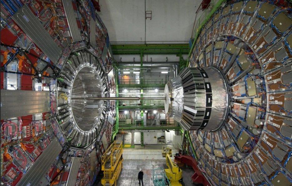 מאיץ החלקיקים הגדול בעולם בשוויץ, צילום: אי-אף-פי