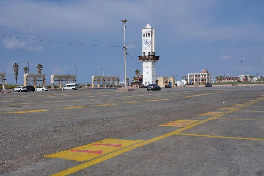 רחבת השוק ריקה אתמול (ד') באשדוד. צילום: פבל