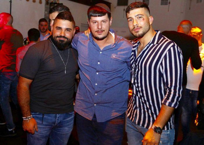 חבריו של עומר לוי ממועדון ״נוקאוט״. צילום: פבל