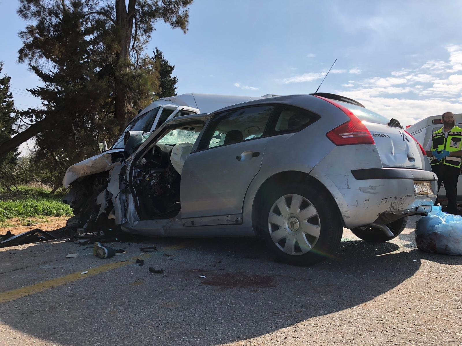 זירת התאונה הקטלנית. צילום: דוברות המשטרה