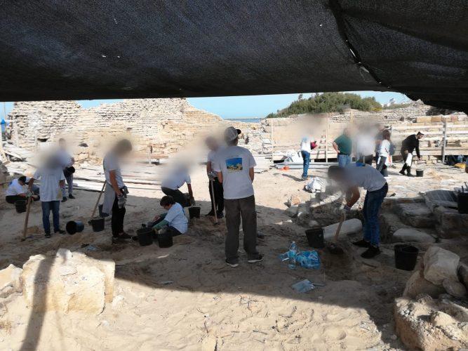 """תלמידים עובדים במצודה. צילום: ביה""""ס גוונים"""