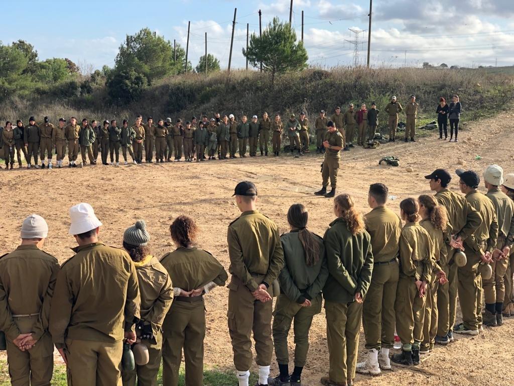 """התלמידים-חיילים. צילום: דובר צה""""ל"""
