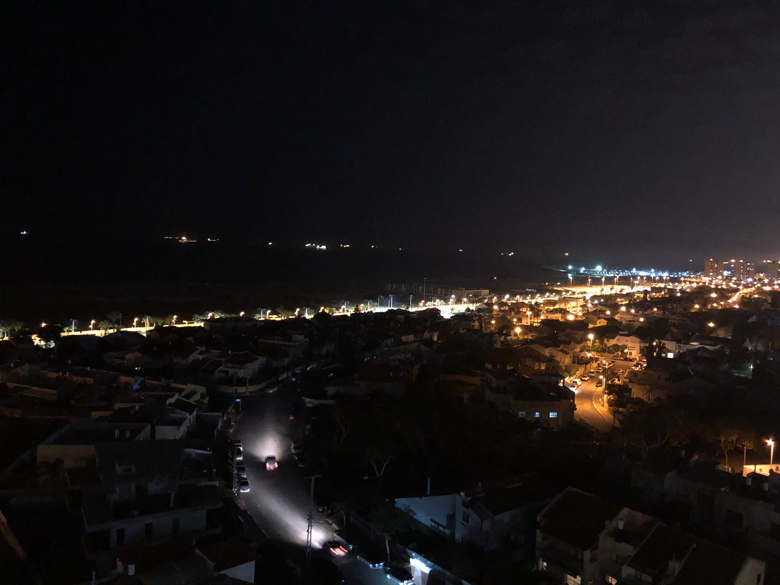 העיר בחושך: הפסקת חשמל צילום: אבי פלדמן