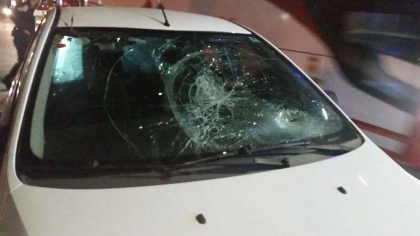 הולך רגל נפצע, מכונית עם שמשה מנופצת צילום: דוברות איחוד הצלה.