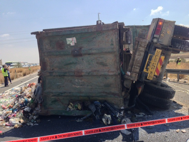 תאונה במעורבות כלי רכב כבדים באדיבות: עמותת אור ירוק