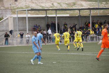 שחקני עירוני אשדוד חוגגים. צילום: מוטי קדוש.