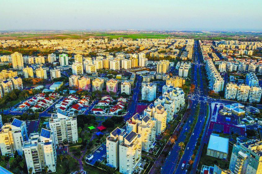 העיר אשדוד ממעוף הציפור. צילום: אורי קריספין