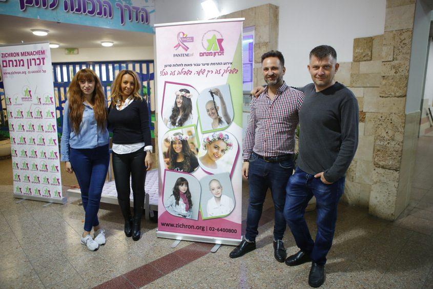 יאיר חנונה וצוות מעצבי שיער מבית ״רפאל״, סניף אשדוד. צילום: פבל