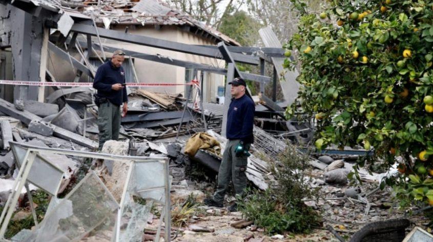 הבית שנפגע במושב משמרת. צילום: מגד גוזני
