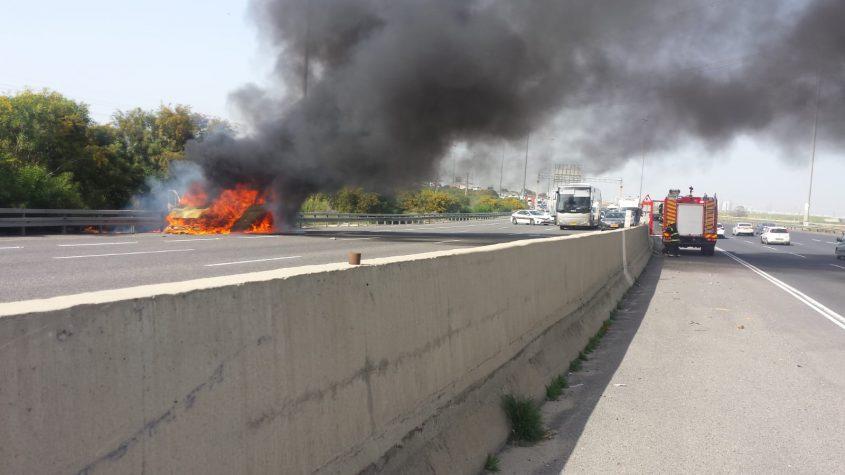 הרכב שנשרף. צילום: דוברות איחוד הצלה