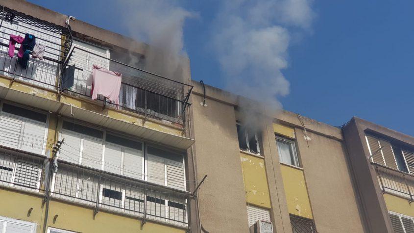 השריפה ברח' שלמה בן יוסף. צילום: דוברות כבאות והצלה