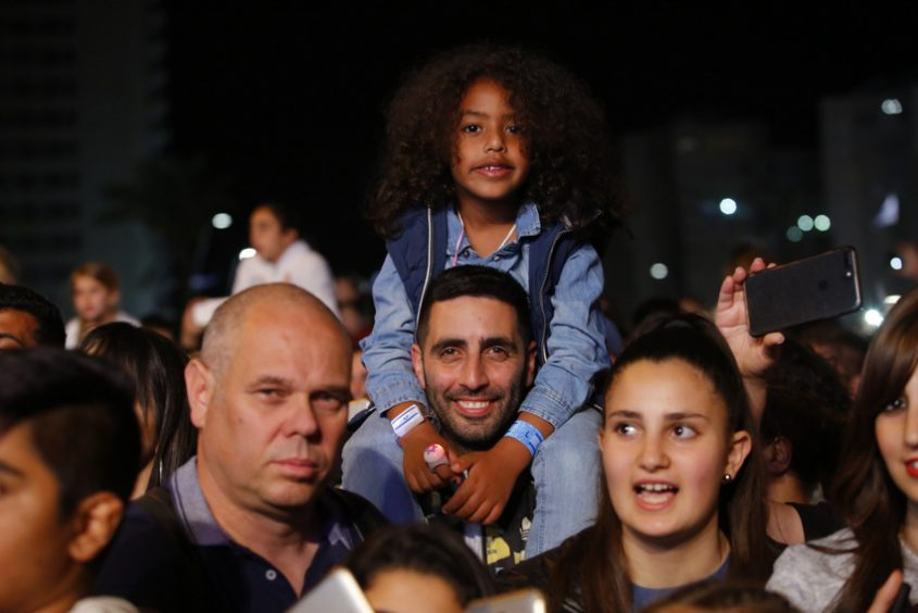 חוגגים עצמאות באשדוד. צילום: פבל