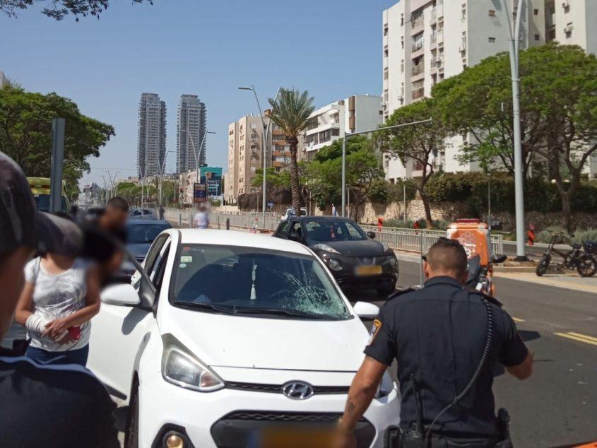 זירת התאונה בהרצל הבוקר. צילום: דוברות איחוד הצלה