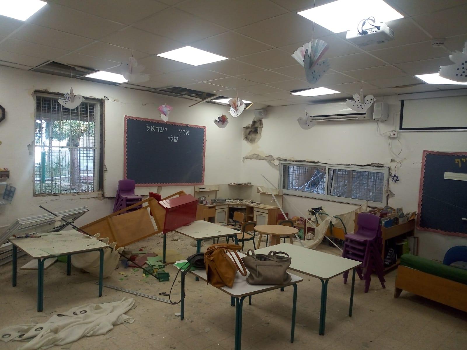 גן ילדים בשדרות שניזוק מרסיסי רקטה. צילום: עיריית שדרות