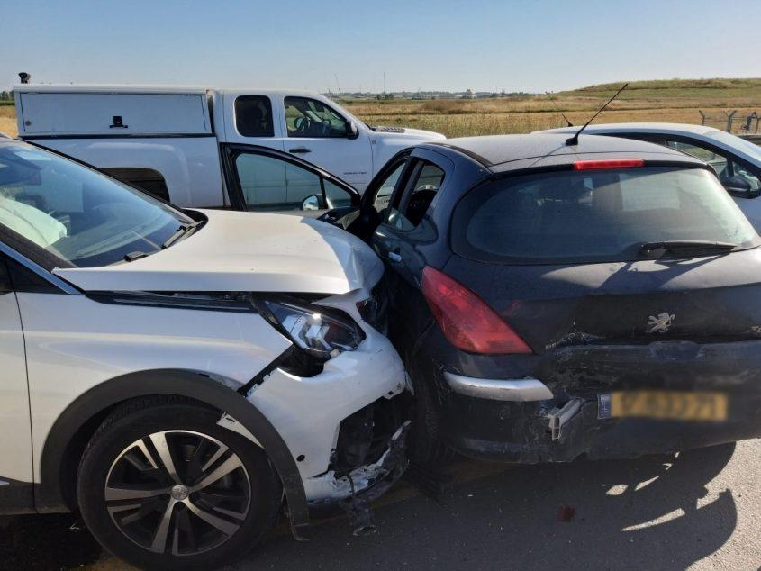 זירת התאונה בכביש באר טוביה-עזריקם. צילום: דוברות איחוד הצלה