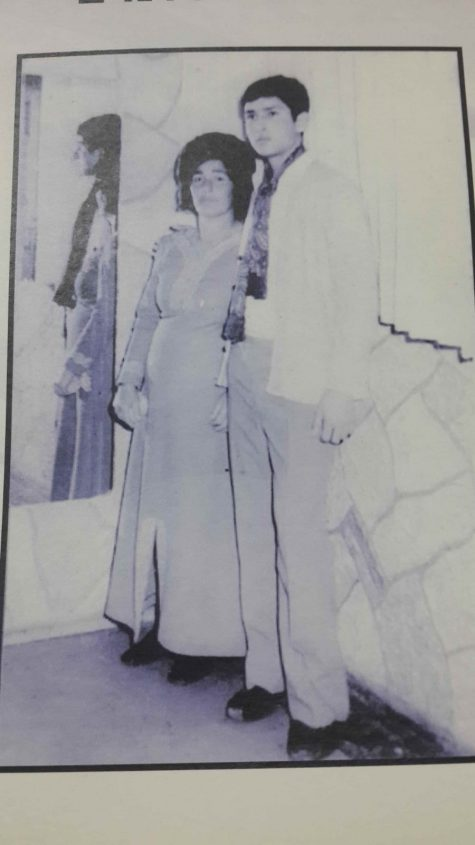 אשר אסולין ז_ל עם אימו (סבתא של דוראל). צילום באדיבות המשפחה