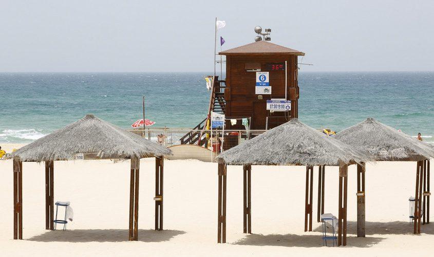 """תחנת המצילים בחוף י""""א. צילום: פבל"""