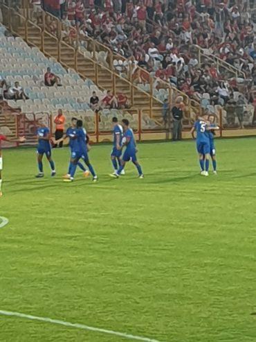 שחקני מ.ס אשדוד חוגגים. צילום: ליאב אחאבן
