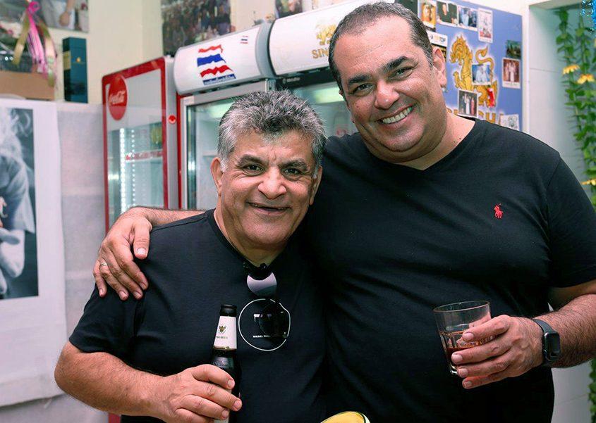 מבקר המסעדות ניב גלבוע והשחקן יגאל עדיקא באו לפאגן. צילום: מוטי קדוש