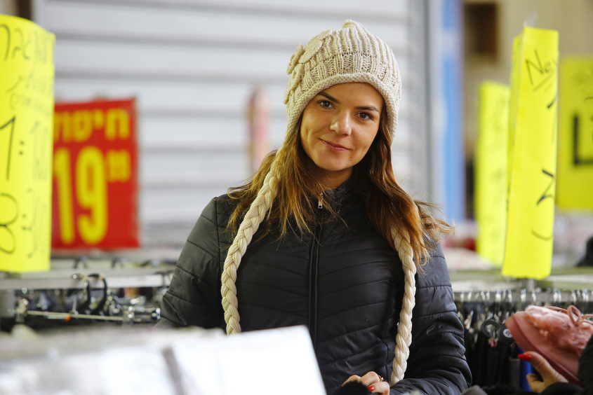 ויקטוריה גורצקי, מנהל החנות. צילום: פבל